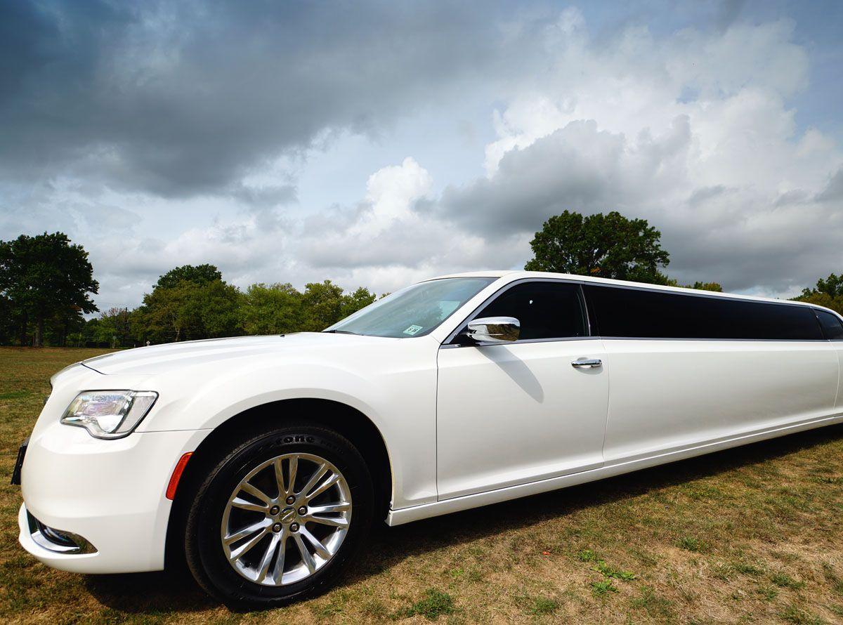 Chrysler 300 Stretch Limousine