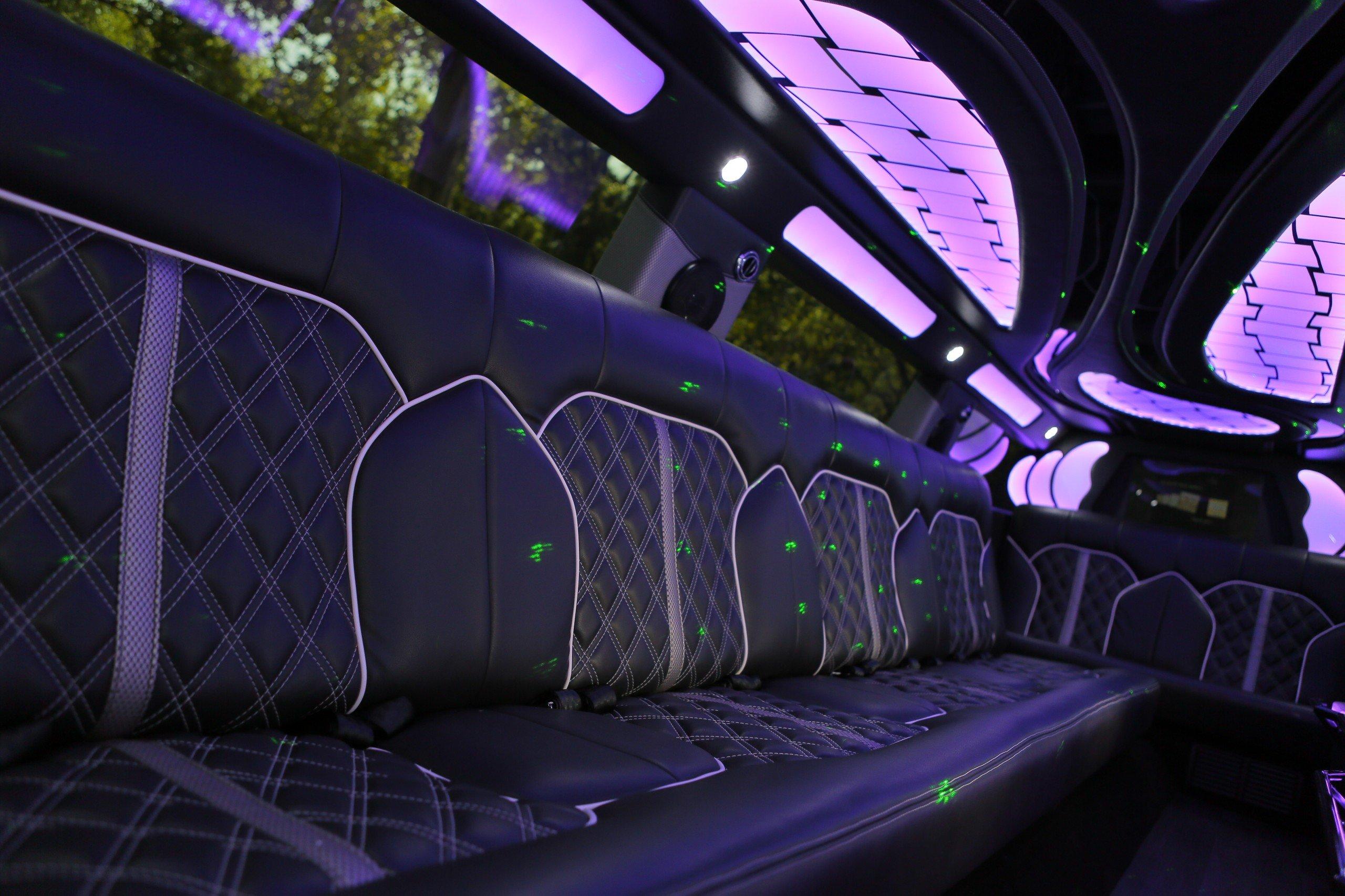 14 passenger Lincoln MKT Limo - Santos VIP Limo